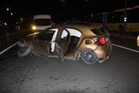 OKMEYDANı - E-5'Te Kaza Yaptıkları Lüks Aracı Bırakıp Kaçtılar