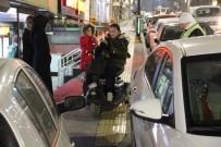 ENGELLİ RAMPASI - Engelli Rampasında Yarım Saat Bekledi