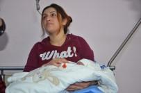 Hastane Yönetiminden Yılın İlk Bebeğine Altın