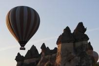 METEOROLOJI GENEL MÜDÜRLÜĞÜ - Kapadokya'da Yeni Yılın İlk Gününde De Balon Turları İptal Edildi