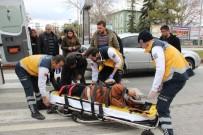 Karaman'da Otomobilin Çarptığı Yaşlı Kadın Yaralandı