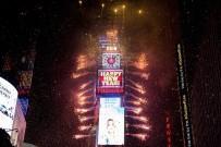 MANHATTAN - New York'ta Yeni Yıl Coşkuyla Kutlandı