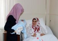 NENE HATUN - Yeni Yılın İlk Bebeği 'Ali Asaf' Oldu