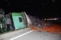RAMAZAN YıLMAZ - Adana'da Zincirleme Trafik Kazası Açıklaması 8 Yaralı