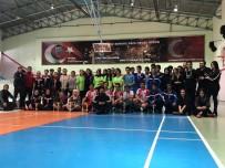 ŞAMPİYONLUK KUPASI - Badminton Rüzgarı Liselerde Esti