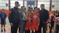 CEMIL ÖZTÜRK - Fevzi Geyik Ortaokulu'nun Futsal Başarısı