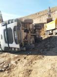 Hafriyat Kamyonu Devrildi Açıklaması 1 Yaralı