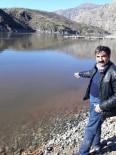 İki Gündür Nehre Giren Aracının Çıkarılmasını Bekliyor