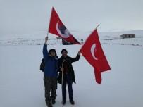 Karagöl Dağı'nı Görmek İçin Kar Üstünde 15 Saat Yürüdüler