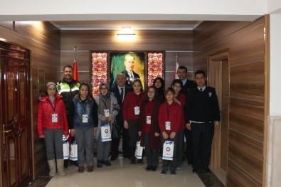 Karaman'da 15 Öğrenci İle 1 Veliye Okul Geçidi Görevlisi Belgesi Verildi
