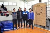 AHMET KARA - Köy Okullarındaki Öğrenciler İçin Spor Malzemesi Yaptılar