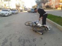 ZÜBEYDE HANıM - Manavgat'ta 2 Trafik Kazası Açıklaması 1 Yaralı