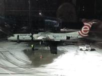 CHOPIN - Polonya'da Bir Uçak Acil İniş Yaptı