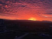 GÖKYÜZÜ - Uşak'ta Bu Sabah Güneş Farklı Doğdu