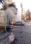 Yakıtı Biten Otomobil Alev Aldı