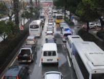 ADNAN MENDERES - Aydın'da Trafik Yoğunluğu Önlenemiyor