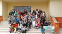 ÇOCUK GELİŞİMİ - Ayvalık'ta Zübeyde Hanım Köy Çocuklarını Güldürdü