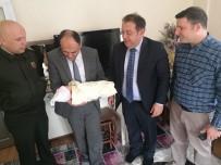 YUSUF ÖZDEMIR - Başkan Özaltun'dan Bebek Sahibi Olan Gaziye Ziyaret