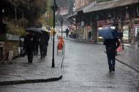 Edirne'de Sağanak Yağış Etkili Oluyor