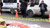 HAFRİYAT KAMYONU - Kadıköy'de Hafriyat Kamyonunun Çarptığı Kadın Öldü