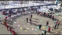 UMUTSUZLUK - 'Kötü Sözleri' Balonlarla Hayatlarından Çıkardılar