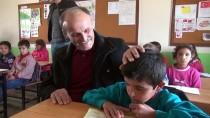 HAMIT YıLMAZ - Şehit Öğretmenin Babası Oğlunun Okulunda