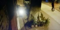 MERCEDES - Yaşlı Kadınları Dolandıranlar Güvenlik Kamerasına Yakalandı