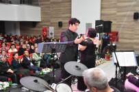 ABDULLAH UÇGUN - Alaşehir Belediyesi Türk Sanat Müziği Korosu Yılın İlk Konserini Verdi