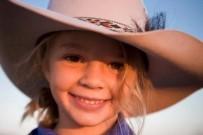 Avustralyalı 14 Yaşındaki Reklam Yüzü 'Siber Zorbalık' Yüzünden İntihar Etti