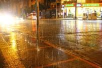 YAĞMURLU - Aydın'da Yağışlar Sevindirdi