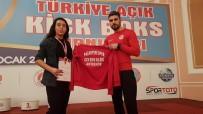 BOKS - Başkan Yalçın'dan Başarılı Sporculara Destek
