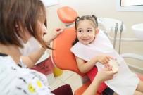 DİŞ TEDAVİSİ - Bayraklı'da Binlerce Kişinin Dişine Ücretsiz Tedavi