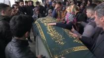 BEDEN EĞİTİMİ ÖĞRETMENİ - Beden Eğitimi Öğretmeni Halı Saha Maçında Öldü