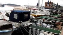 EGE ÜNIVERSITESI - GÜNCELLEME - Urla'da Denize Fuel-Oil Sızdı, Liman Kapatıldı