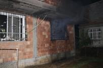 HAMZA KAYA - Husumetli Olduğu Kişiler Tarafından Evi Kundaklandı