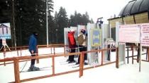 ZİYARETÇİLER - Ilgaz'da Kayak Keyfi Devam Ediyor