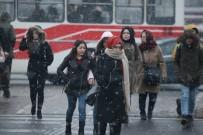 ERCIYES - Kayseri'de Beklenen Kar Yağışı Başladı