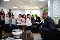 ARIF NIHAT ASYA - Miniklerden Başkan Sözlü'ye 'Bayrak Şiiri' Sürprizi