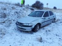 CEBRAIL - Sivas'ta Trafik Kazası Açıklaması 2 Yaralı