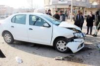 CEBRAIL - Siverek'te Trafik Kazası Açıklaması 2 Yaralı