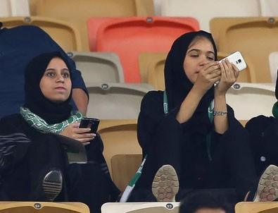 Suudi Arabistan'da bir ilk... İşte o an!