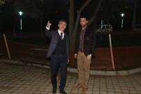OSMAN GAZI - Turgutlu'da Parklar Işıklandırıldı