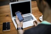 Türkiye'deki Kullanıcılar Her 13 Dakikada Bir Telefona Bakıyor