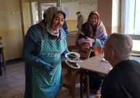 YILDIRIM BELEDİYESİ - YIL-MEK Kursiyerlerden Yaşlılara Sürpriz