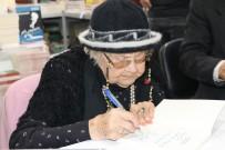 MUAZZEZ İLMİYE ÇIĞ - 103 Yaşındaki Muazzez İlmiye Çığ'a Kitap Fuarında Yoğun İlgi