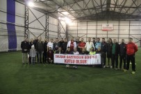 AK Parti İle Gazeteciler Dostluk Maçında Karşılaştı
