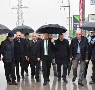 Başkan Doğan, Yağmur Altında Gündoğdu'yu Gezdi