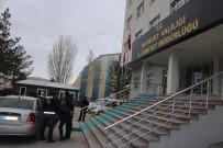 GECE BEKÇİSİ - Bayburt'ta İki Hırsızlık Olayının Failleri Tutuklandı