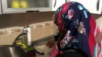 Bir Bardak Çorbayla 'Gönülleri' Isıtıyor