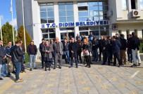 SIYAH ÇELENK - Didim'de Mimar Ve Mühendislerin Belediyeye Tepkileri Sürüyor